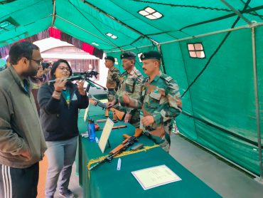 Golden Katar Conducts 'KNOW YOUR ARMY' At IIM Ahmedabad