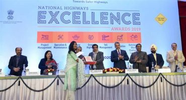 Gadkari presents 'National Highways Excellence Awards' to outstanding performers in NH sector