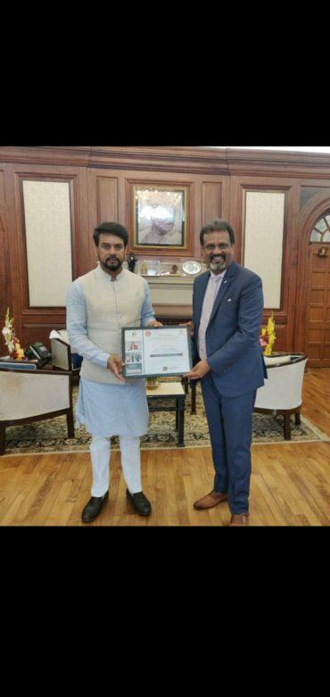 डॉ विनोद के. वर्मा, केंद्रीय मंत्री द्वारा सम्मानित