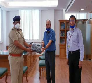 Rotary Club of Delhi Heritage Supplies 50,000 Reusable Face Masks in Coordination with PIB