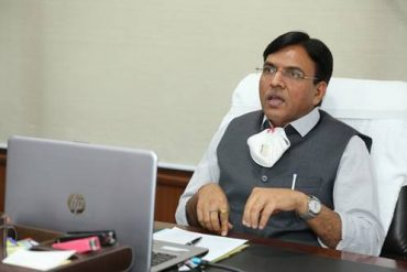Shri Mansukh Mandaviya welcomes the slew of measures announced under Aatmanirbhar Bharat Abhiyaan to support Indian economy in fight against COVID-19