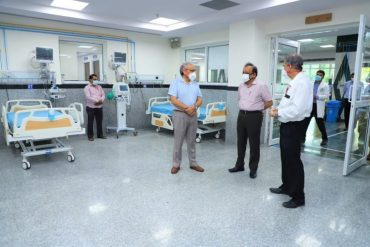 Dr. Harsh Vardhan takes stock of preparedness of AIIMS Trauma Centre: Dedicated COVID-19 hospital