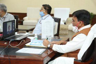 Shri Mansukh Mandaviya interacts with Indian Maritime Sector representatives;