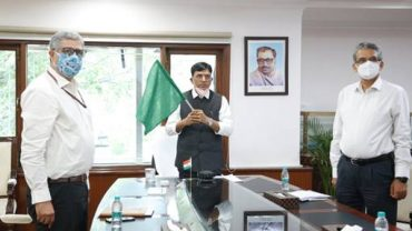 Union Shipping Minister flags off first container ship from Kolkata Port to Agartala via Chattogram port