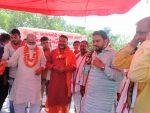 प्रधानमंत्री नरेन्द्र मोदी जी के जन्मदिवस के अवसर पर पूर्व सांसद डॉ रमेश चंद्र तोमर ने उनकी दीर्घायु एवम अच्छे स्वास्थ्य के लिए प्राचीन श्री राम मंदिर मे यज्ञ-हवन एवं पूजन किया l