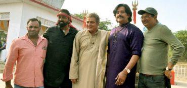 Ganesh Acharya, Ravi Kishan ,Remo D'souza , Manoj Joshi & others were seen shooting Climax scene of film Dehati Disco