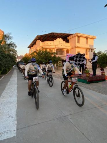 KONARK CYCLING EXPEDITION 1971 ENTERS DAY 3