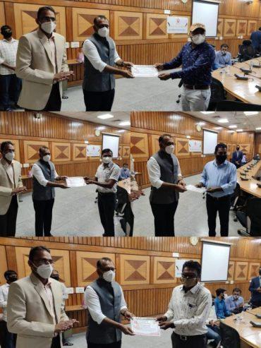 पश्चिम रेलवे के अहमदाबाद मंडल के प्लाज्मा दान करने वाले 6 साहसिककर्मचारीओ को सम्मानित किया गया