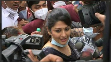Kannada actor Radhika Kumarswamy grilled by CCB for 4 hours in cheating case: