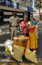 Meet the police Sub inspector Manu of Vijayanagar who helped the troubled blind couple for their livelihood