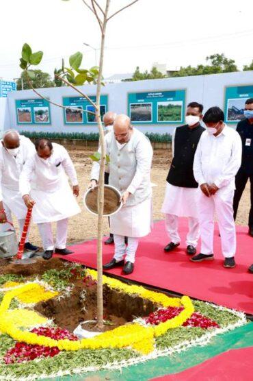 Union Home Minister, Shri Amit Shah began tree saplings plantation program today at nine different places in Ahmedabad by planting a tree at Sindhu Bhavan Road in Gandhinagar Lok Sabha constituency