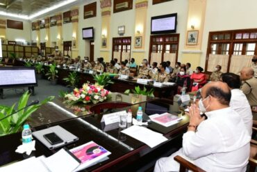 Karnataka CM,Basavaraj Bommai,Does Away With Garlands,Shawls as Welcome Gifts