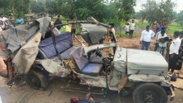 7 die, 5 injured in road accident in Chintamani chikkaballapur