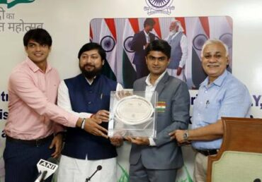 Central IAS Association felicitates Shri Suhas L.Y, IAS officer and Silver medalist in Tokyo 2020 Paralympic Games and Shri Neeraj Chopra, Gold medalist in Tokyo Olympics 2020